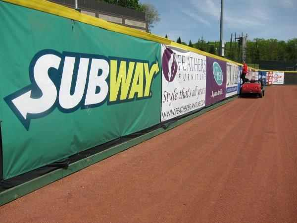 Fence Banners Signs – Signs of Intelligence in Peachtree Corners, Brookhaven, Chamblee, Alpharetta, Brookhaven, Chamblee, Duluth, Dunwoody, Johns Creek, Lilburn, Norcross, Sandy Springs, Atlanta, Suwanee