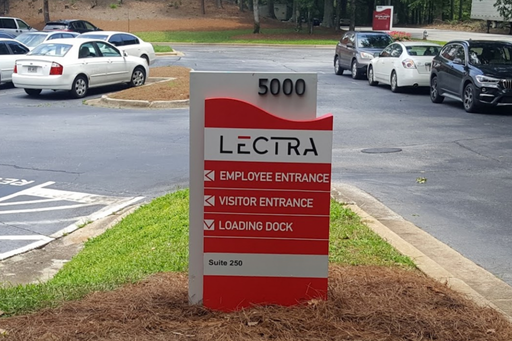 Atlanta Sign Company – Directional Wayfinding Signs by Signs of Intelligence in Peachtree Corners, Brookhaven, Chamblee, Alpharetta, Brookhaven, Chamblee, Duluth, Dunwoody, Johns Creek, Lilburn, Norcross, Sandy Springs, Suwanee